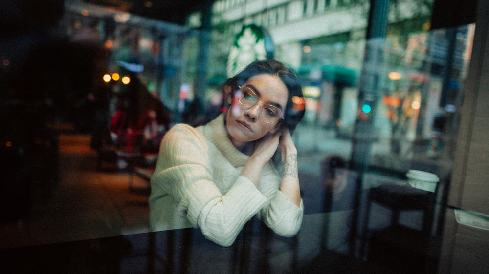 Frankie Miles and Neubau Eyewear, authentic fashion photography